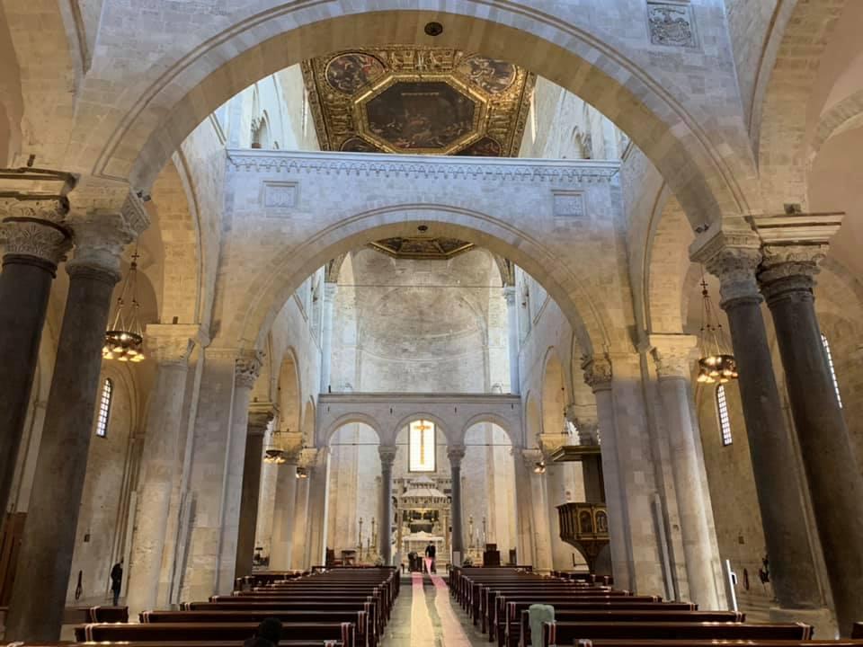 navata-basilica-di-san-nicola