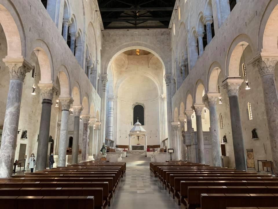 navata-cattedrale-di-san-sabino