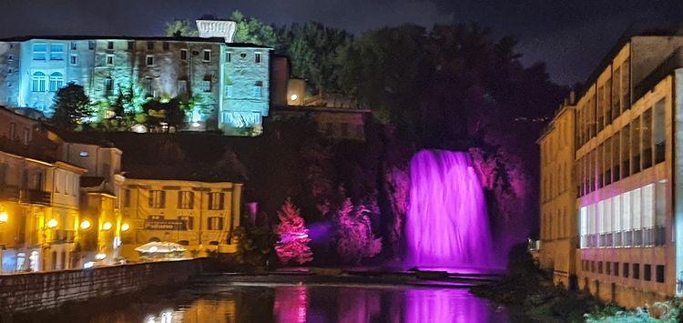 Cascata-e-castello-in-notturna-Isola-dei-Liri